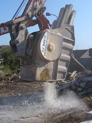 large-slew-crusher-bucket